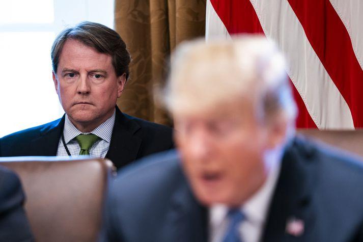 McGahn er sagður hafa hótað því að segja af sér í fyrra þegar Trump vildi reka sérstaka rannsakandann.