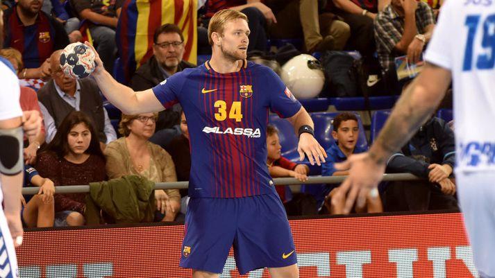 Aron Pálmarsson í leik með Barcelona.