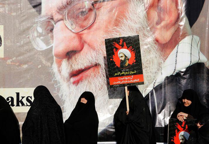Ayatollah Ali Khamenei er æðsti leiðtogi Írans og trúarlegur leiðtogi milljóna sjía-múslima