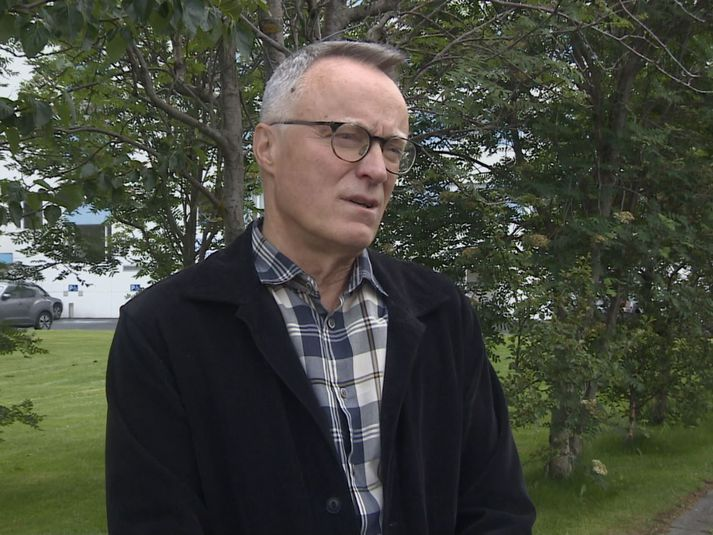Helgi Gunnlaugsson er afbrotafræðingur og prófessor í félagsfræði við Háskóla Íslands.