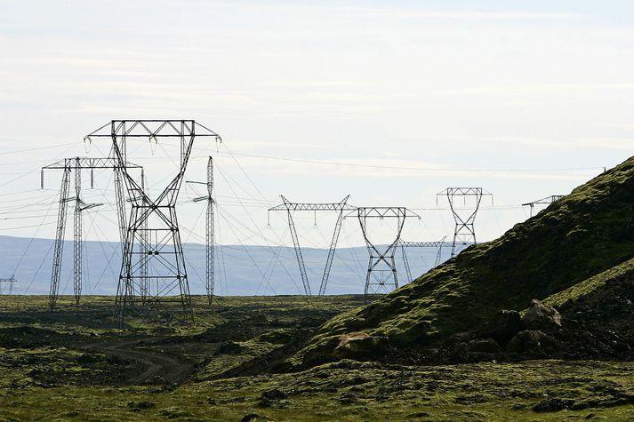 Líkur á raforkuskorti er talinn aukast aðallega vegna aukinnar notkunar á gagnaverum á Íslandi.