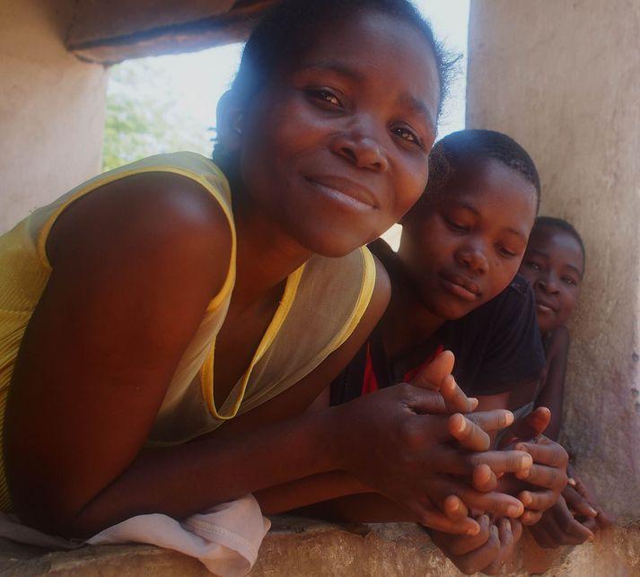Unglingsstúlkur í Malaví.