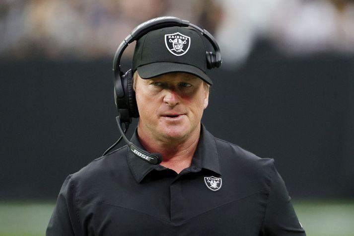 John Gruden er hættur sem þjálfari Las Vegas Raiders.