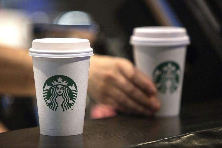 Starbucks hefur beðiðst afsökunar á atvikinu í Phladelphiu.