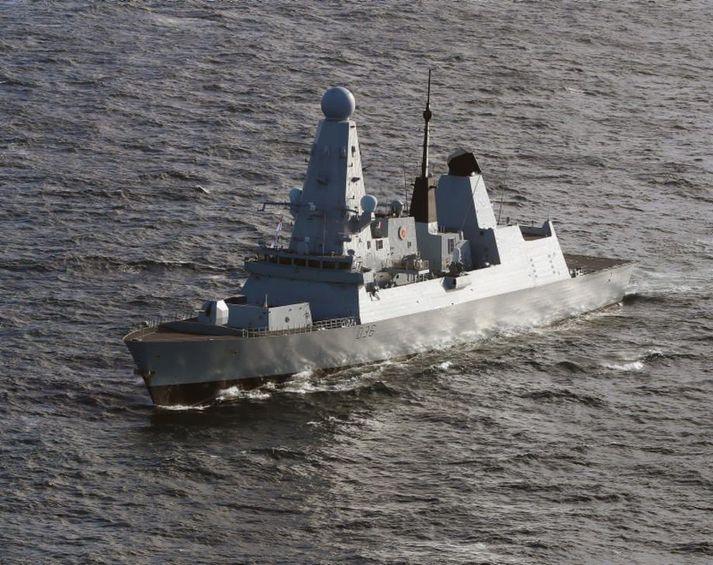 HMS Defender við strendur Skotlands árið 2019.