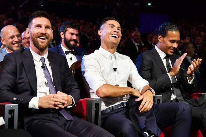 Það má búast við að þetta yrðu viðbrögðin hjá þeim Cristiano Ronaldo og Lionel Messi þegar þeir heyra tillögu Alexander Hleb.