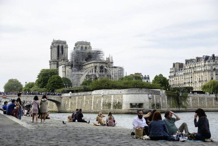 Gríðarlegar skemmdir urðu á Notre-Dame í bruna á mánudaginn í síðustu viku.