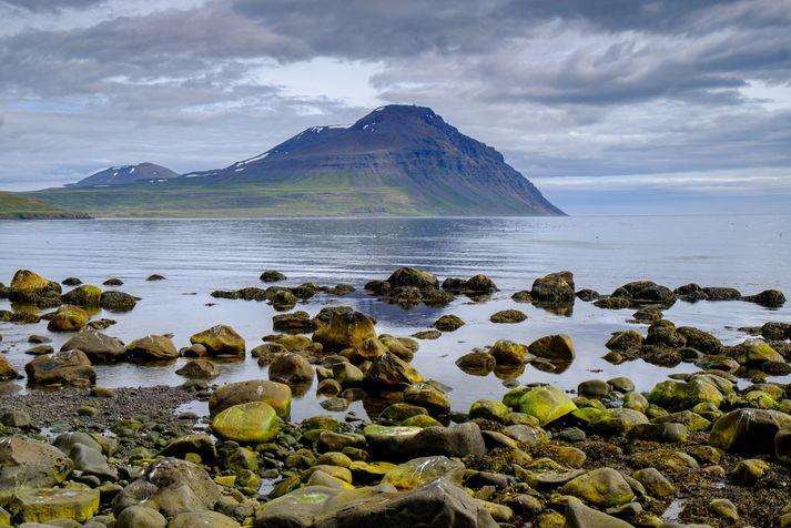 Það gæti gránað í hæstu fjöll á Norðausturlandi síðdegis í dag.