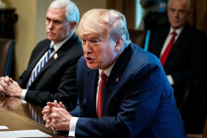 Donald Trump Bandaríkjaforseti hafði áður sagt að mögulega væri hægt að losa um reglur vegna útbreiðslu kórónuveirunnar um páska.