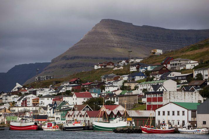 Fjórir hafa greinst smitaðir af kórónuveirunni í Færeyjum.