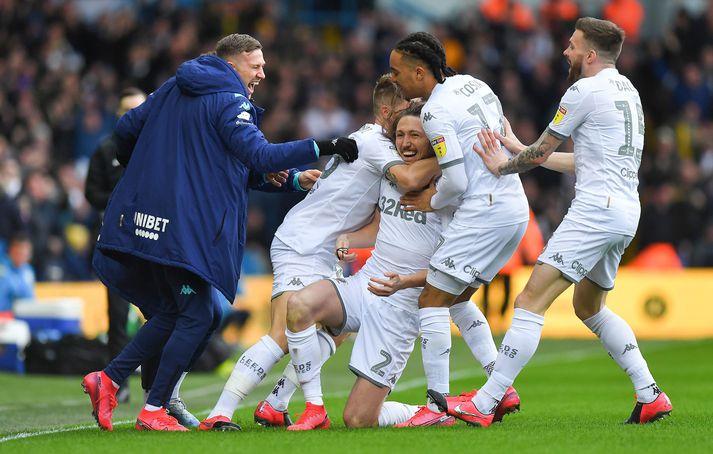 Leeds er á toppi ensku B-deildarinnar.