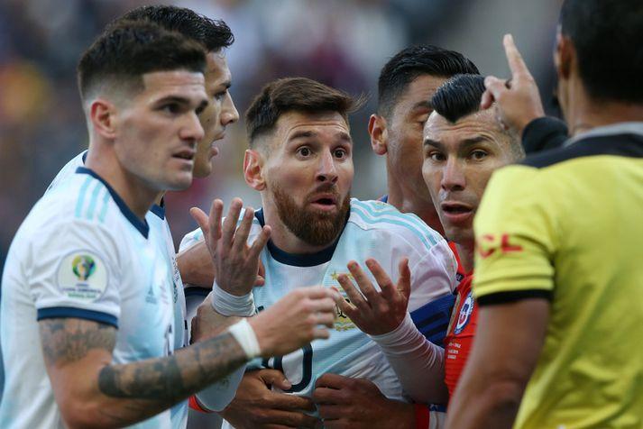 Lionel Messi var ekki sáttur við dómarana á Copa America í sumar.