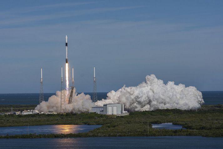 Þetta var í fyrsta sinn sem SpaceX notaði sömu eldflaugina í þriðja sinn.