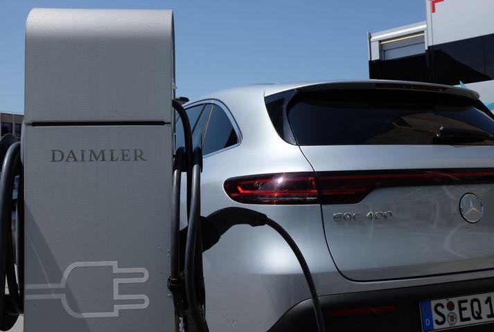 Daimler hugar að uppsögnum til að nota fjármagn í rafbíla og þróun þeirra.