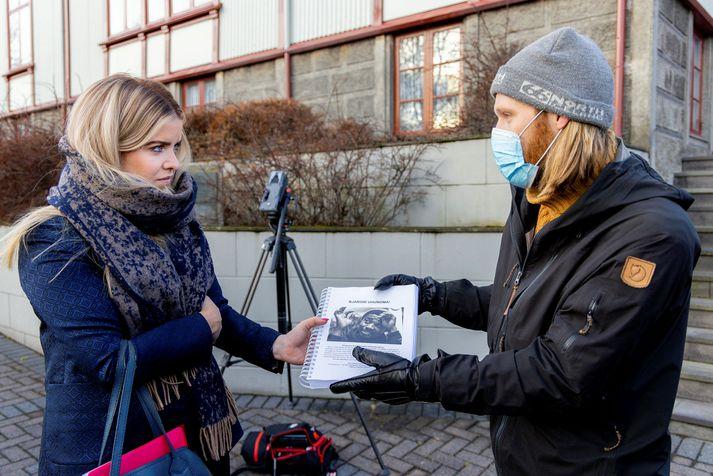 Minister of Justice Áslaug Arna Sigurbjörnsdóttir was handed a petition of over 45,000 signatures.