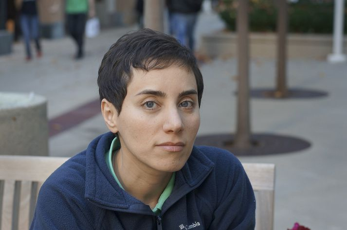 Mirzakhani lauk doktorsprófi frá Harvard-háskóla árið 2004.