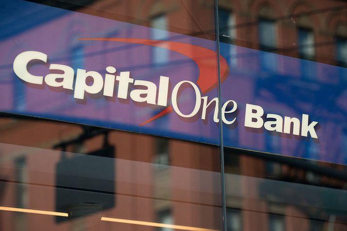 Capital One er stórtækur útgefandi kreditkorta og heldur einnig úti bankastarfsemi vítt og breitt um Norður-Ameríku.