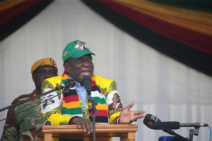 Emmerson Mnangagwa, forseti Simbabve, hefur boðað til kosninga í júlí.