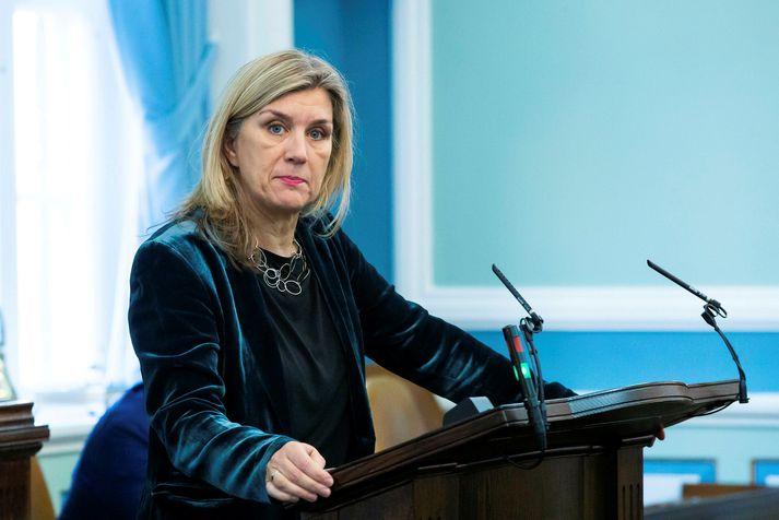Hanna Katrín Friðriksson stýrir fundinum.