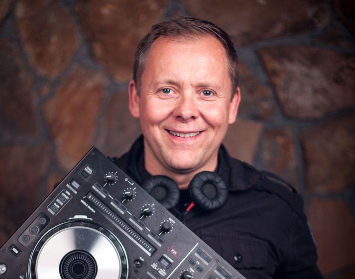 DJ Áki Pain.