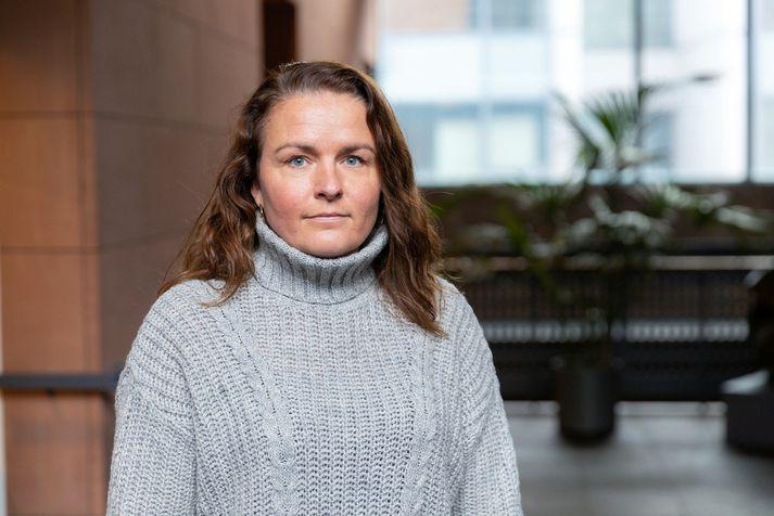 Valgerður Sigurðardóttir, borgarfulltrúi Sjálfstæðisflokksins, vill helst láta rífa byggingu Fossvogsskóla.