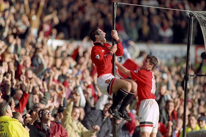 Cantona fagnar marki sínu í endurkomuleiknum gegn Liverpool árið 1995. Manchester United var þá búið að vera án hans í átta mánuði.