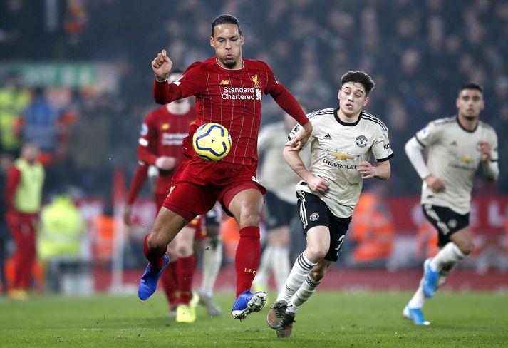 Van Dijk var frábær í hjarta varnarinnar hjá Liverpool í dag.