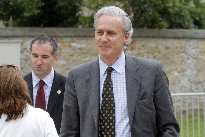 Georges Tron hefur gegnt embætti borgarstjóra Draveil, suður af París, frá árinu 1995.