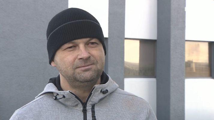 Mikael Nikulásson er þjálfari Njarðvíkur sem og spekingur í hlaðvarpsþættinum vinsæla Dr. Football.