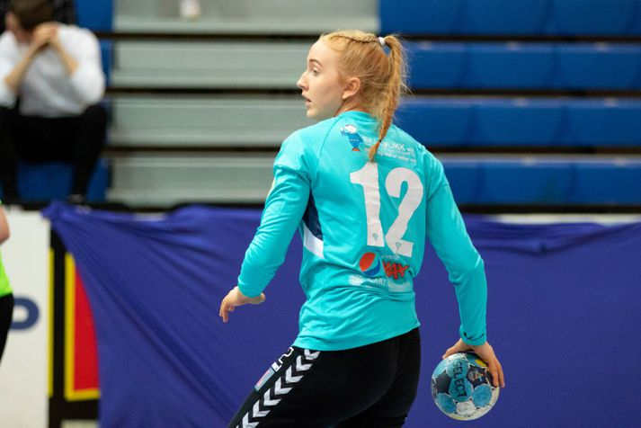 Andrea Gunnlaugsdóttir yfirgefur Eyjuna.