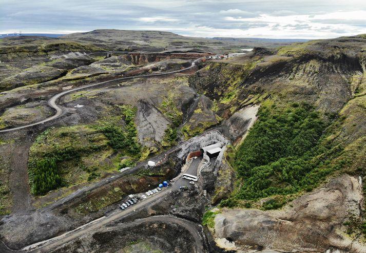 Búrfellsstöð II er neðanjarðar, í Sámstaðaklifi á milli Búrfells og Sámsstaðamúla.