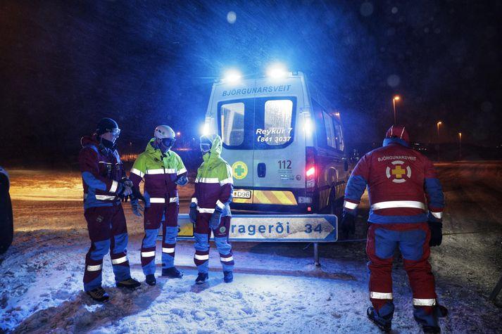 Björgunarsveitarfólk hefur verið við störf á suðvesturhorninu frá því snemma í morgun.