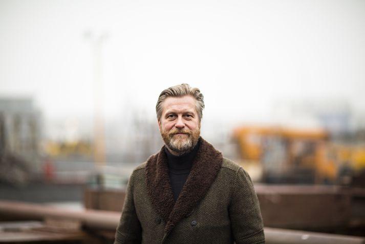 Sótt er að Eyþóri úr öllum áttum vegna loforðs Sjálfstæðisflokksins um að fella einfaldlega niður fasteignagjöld á sjötuga og eldri.
