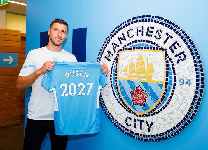 Rúben verður áfram hjá Manchester City.