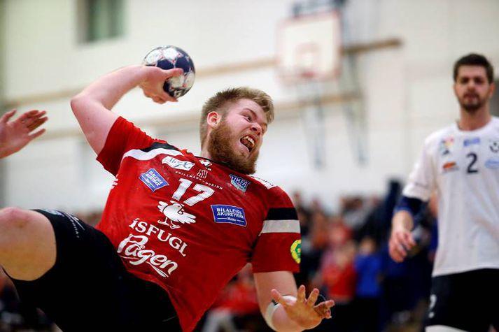 Pétur Júníusson er því miður hættur í handbolta.