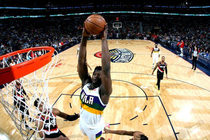Zion Williamson hefur byrjað vel í NBA-deildinni.