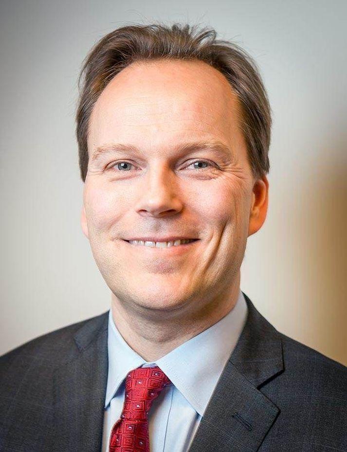 Hlynur Guðjónsson er á leiðinni til Kanada frá New York.