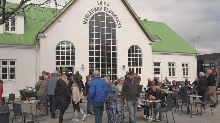 Umgangur var töluverður í nýja miðbænum á Selfossi í dag.
