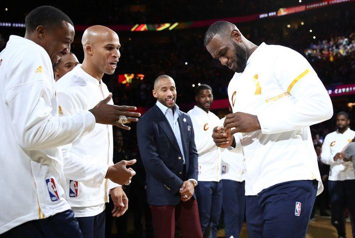 Channing Frye og LeBron James urðu NBA-meistarar saman hjá Cleveland Cavaliers.