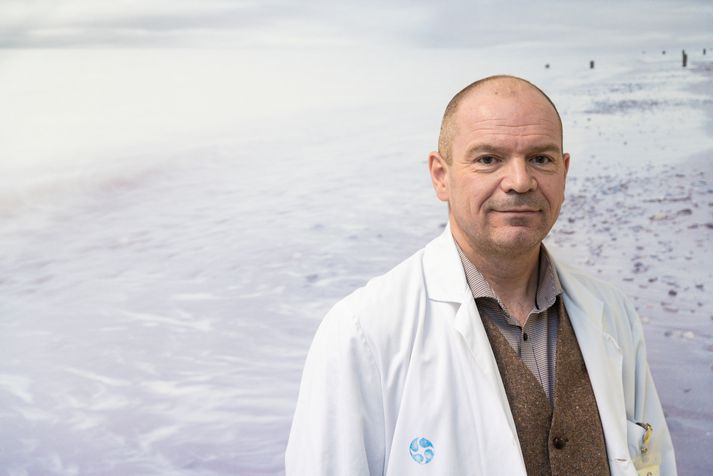 Björn Rúnar Lúðvíksson prófessor hefur lengi stundað kuldaböð og kannað niðurstöður rannsókna.