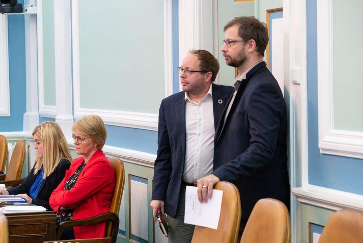 Smári McCarthy og Björn Leví Gunnarsson, þingmenn Pírata. Yfirlýsingin er send frá þingflokki Pírata.