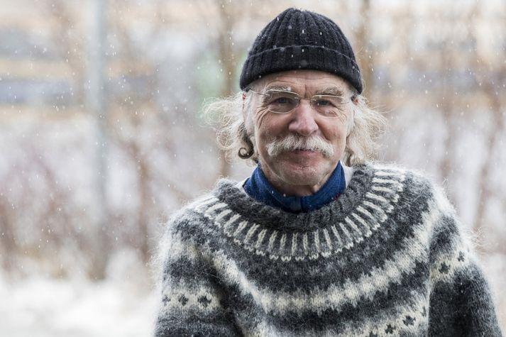 Gerhard hefur unnið ótaldar vinnustundir í Selárdal og sér ekki eftir því.