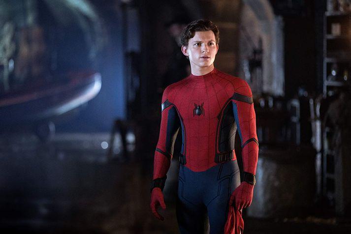 Tom Holland hefur skuldbundið sig til að leika í tveimur Spiderman-myndum til viðbótar en ef fram fer sem horfir verða þær ekki undir merkjum Marvel.