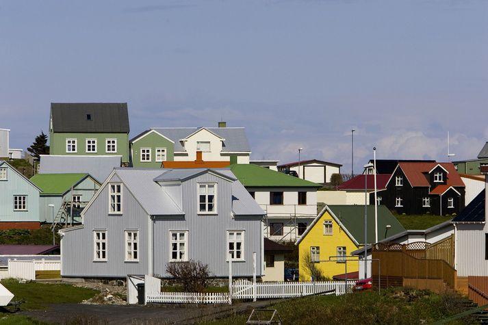 Veðurathuganir hófust á Stykkishólmi árið 1856. Þar hefur aldrei mælst lengri samfelldur þurrkur en nú í maí og júní.