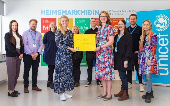 Ásta Sigríður Fjeldsted, framkvæmdastjóri Krónunnar, og Birna Þórarinsdóttir, framkvæmdastjóri UNICEF á Íslandi, fögnuðu vel heppnuðu átaki.