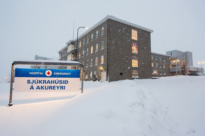 Barnið kom í heiminn á Sjúkrahúsinu á Akureyri.