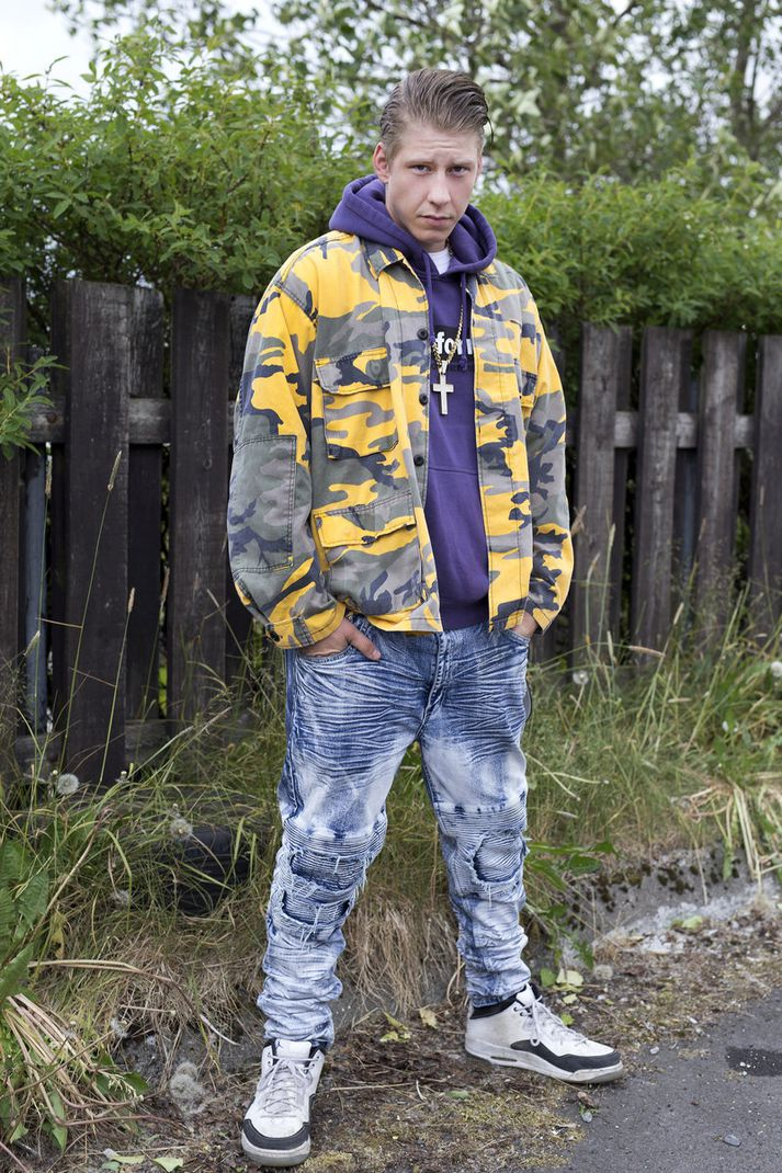 Hér klæðist Gummi flottum en ekki svo felulegum camouflage-jakka úr Spúútnik og æðisgengnum buxum frá Fashion Nova.