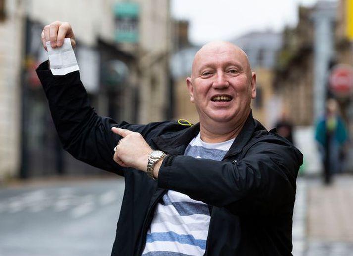 Tony Ward setti aleiguna undir á að erkifjendurnir í Liverpool myndu vinna ensku úrvalsdeildina.