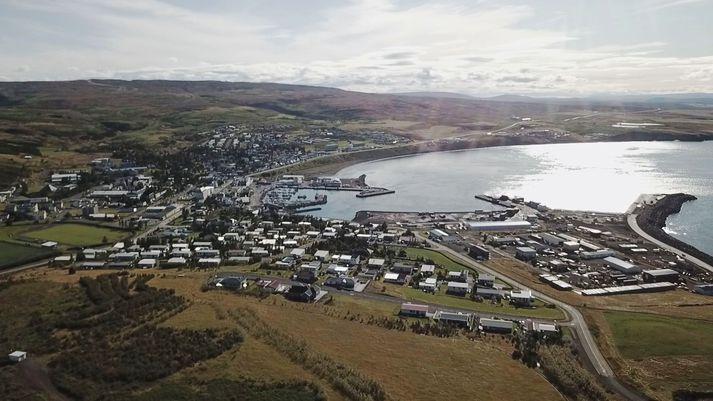 Séð yfir Húsavík þar sem N-lax er rekið.