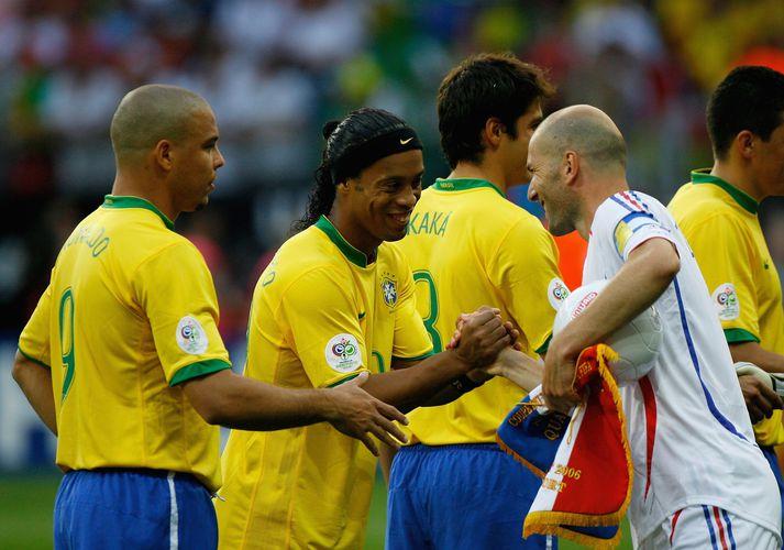 Manchester United á að hafa reynt að fá Ronaldo, Ronaldinho og Zinedine Zidane en án árangurs.